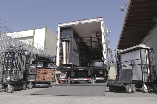 3 Ton Grip Truck W/Liftgate - Ford F-550