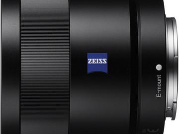 Rent: Sony 55mm F1.8 Sonnar T FE ZA Full Frame Prime Lens