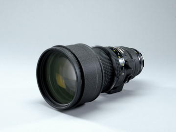 Nikon 200mm f 2 ED-IF