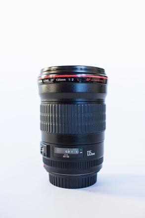 Canon 135mm f/2L USM Lens