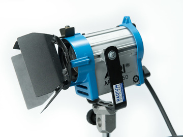 Rent: 150 Watt Arri Fresnel