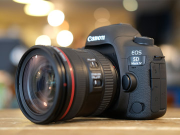 Rent: Canon EOS 5D Mark IV Package