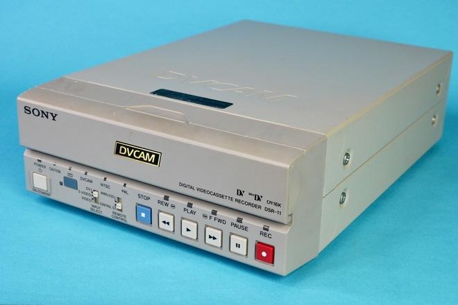 Sony DSR-11 Compact DVCAM / DV / MiniDV VTR Deck (A)