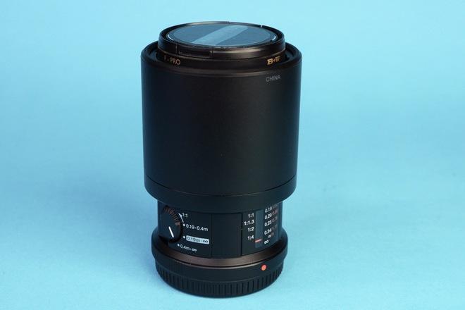 Olympus M.Zuiko Digital ED 60mm f/2.8 Macro Lens w/ Hood