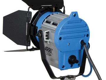 Rent: ARRI 300 Plus Light plus Stand