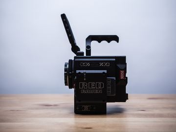 Rent: Red Raven Package with Lenses and Tripod