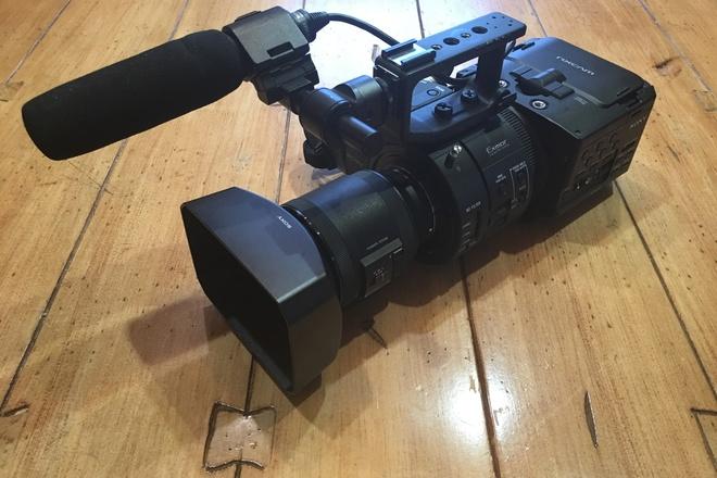 Sony FS700 with 18-200mm f/3.5-6.3 Servo Zoom Lens