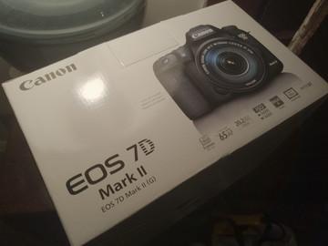 Rent: Canon EOS 7D Mark II