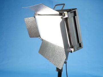 Rent: ePhoto 500 LED Dimmable LED Panel with stand, sand bag