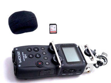 Rent: Zoom h5 Handy Recorder + SD Card