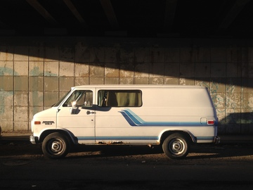 Rent: Chevrolet Van G20