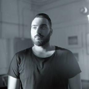 Adrian Vieni