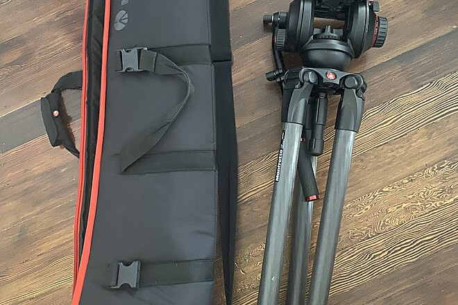 Manfrotto 536 Carbon Fiber Tripod with 509HD Video Head and