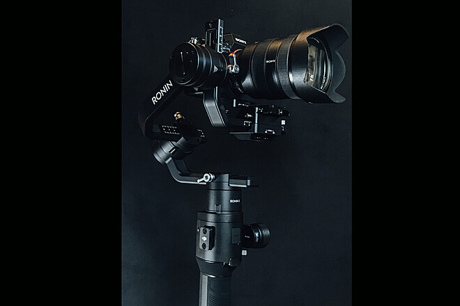 DJI Ronin-S - one handed 3-Axis Gimbal Stabilizer