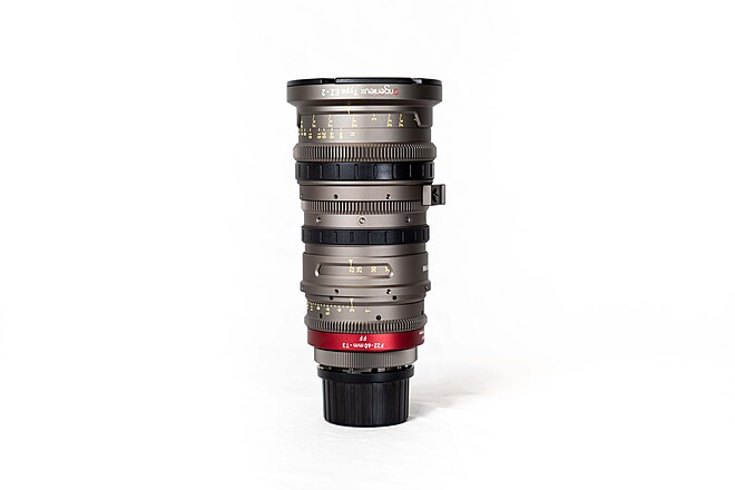 Angenieux EZ-2 S35 15-40mm T2 or FF 22-60mm T3