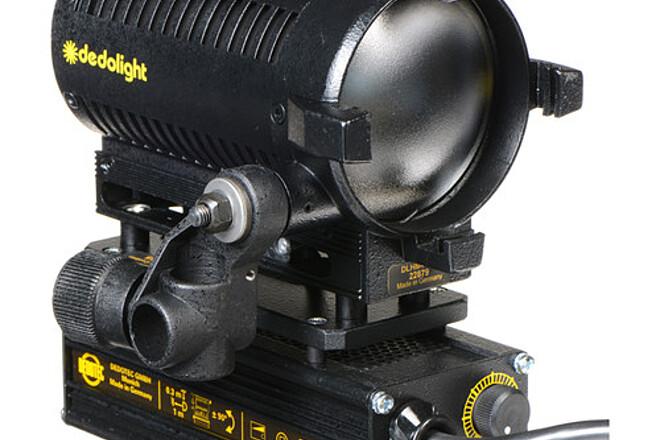 Dedolight DLHM4-300, 150 watt tungsten with built in dimmers