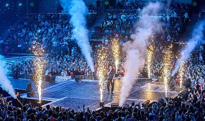 Cold Spark Firework Machine Stage Effect DMX Machine 700W