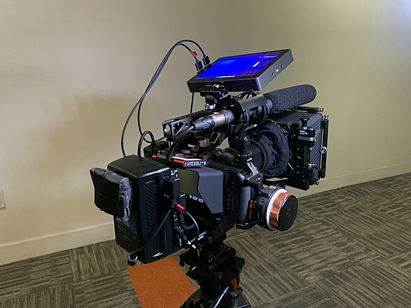 Rent A Bmpcc 6k Cinema Rig W Tiltaing Cage Advanced Kit Best Prices Sharegrid Los Angeles Ca