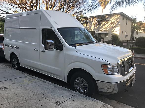 2 Ton Big Van w/ 2 Skypanel S60, Kino Flo