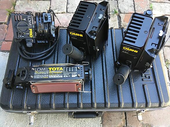 Lowel Tota / Omni / Pro - 4 Light kit