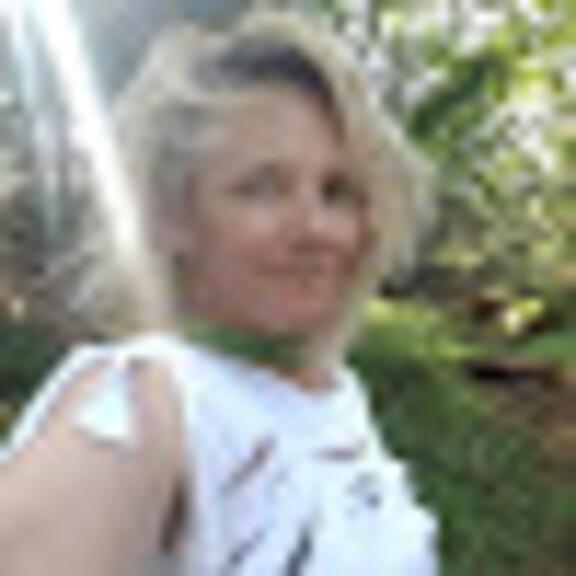 Jennifer Lynn Bond Waldoch